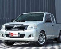 Toyota Vigo Champ 2.5 J ปี2013 สีเทา เกียร์ธรรมดา